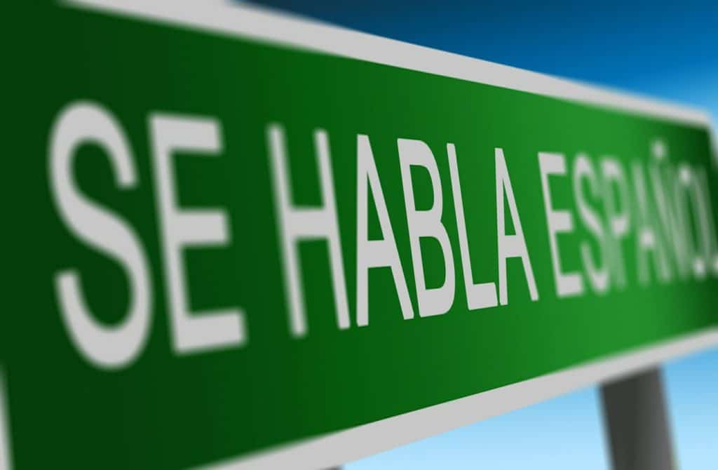 Speech pathology reports of Spanish speakers can be weighted with bias